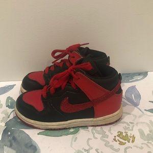 Nike Air Jordan in Black/Red Toddler Boy's 10
